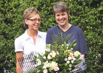 Sarah Wright receives her bouquet